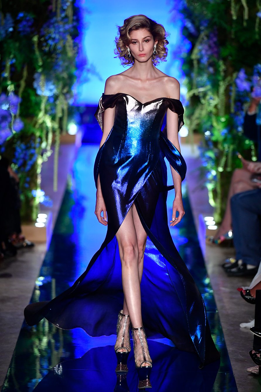 Guo-Pei-FW17-18-Couture--Look-14.jpg