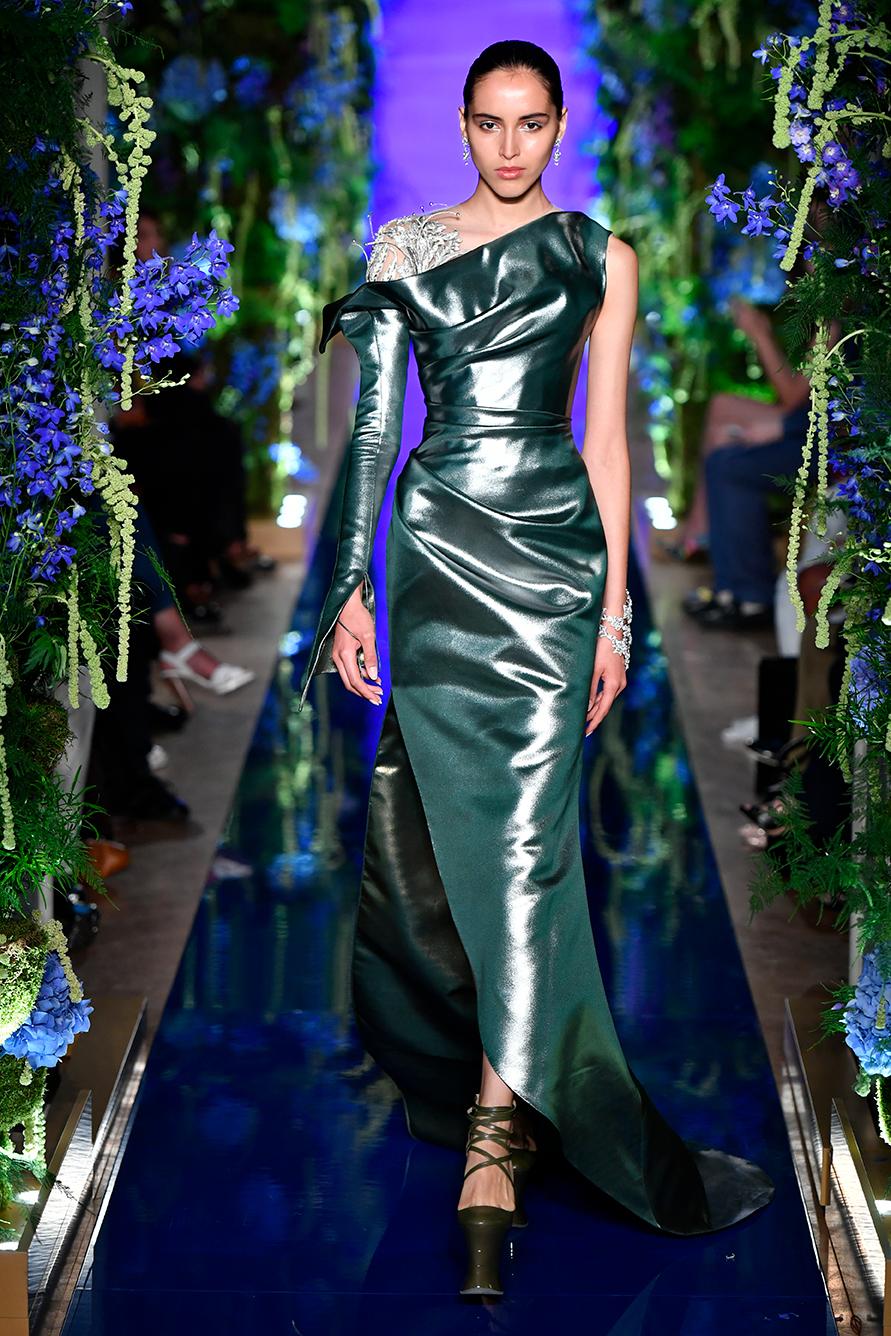 Guo-Pei-FW17-18-Couture--Look-25.jpg
