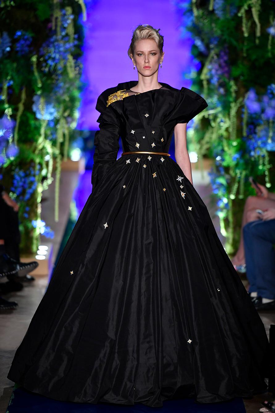 Guo-Pei-FW17-18-Couture--Look-26.jpg