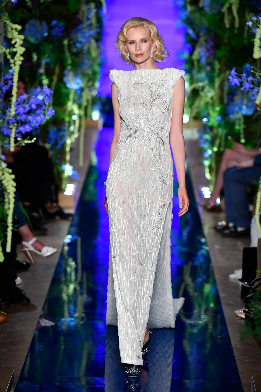 Guo-Pei-FW17-18-Couture--Look-28.jpg