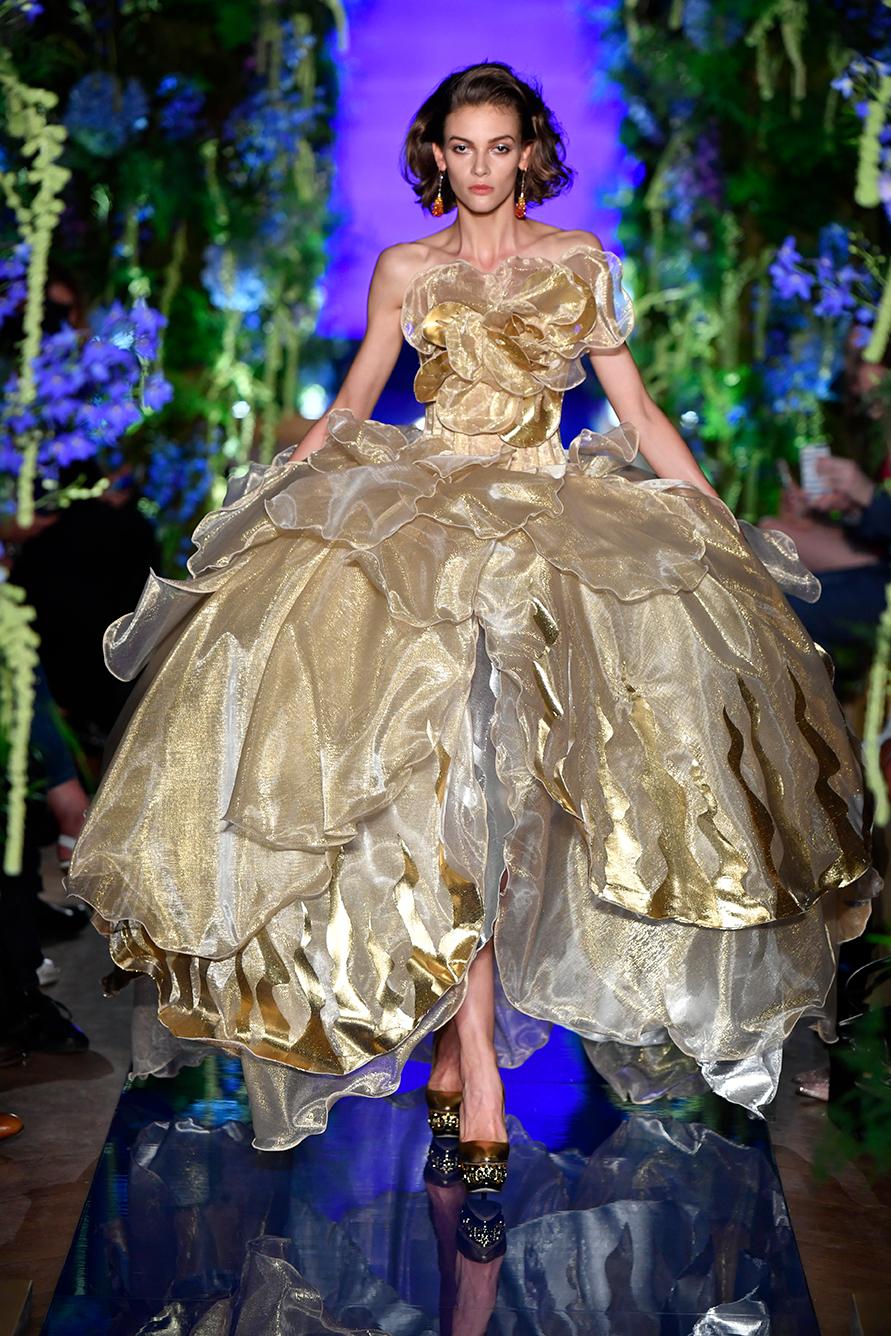 Guo-Pei-FW17-18-Couture--Look-29.jpg