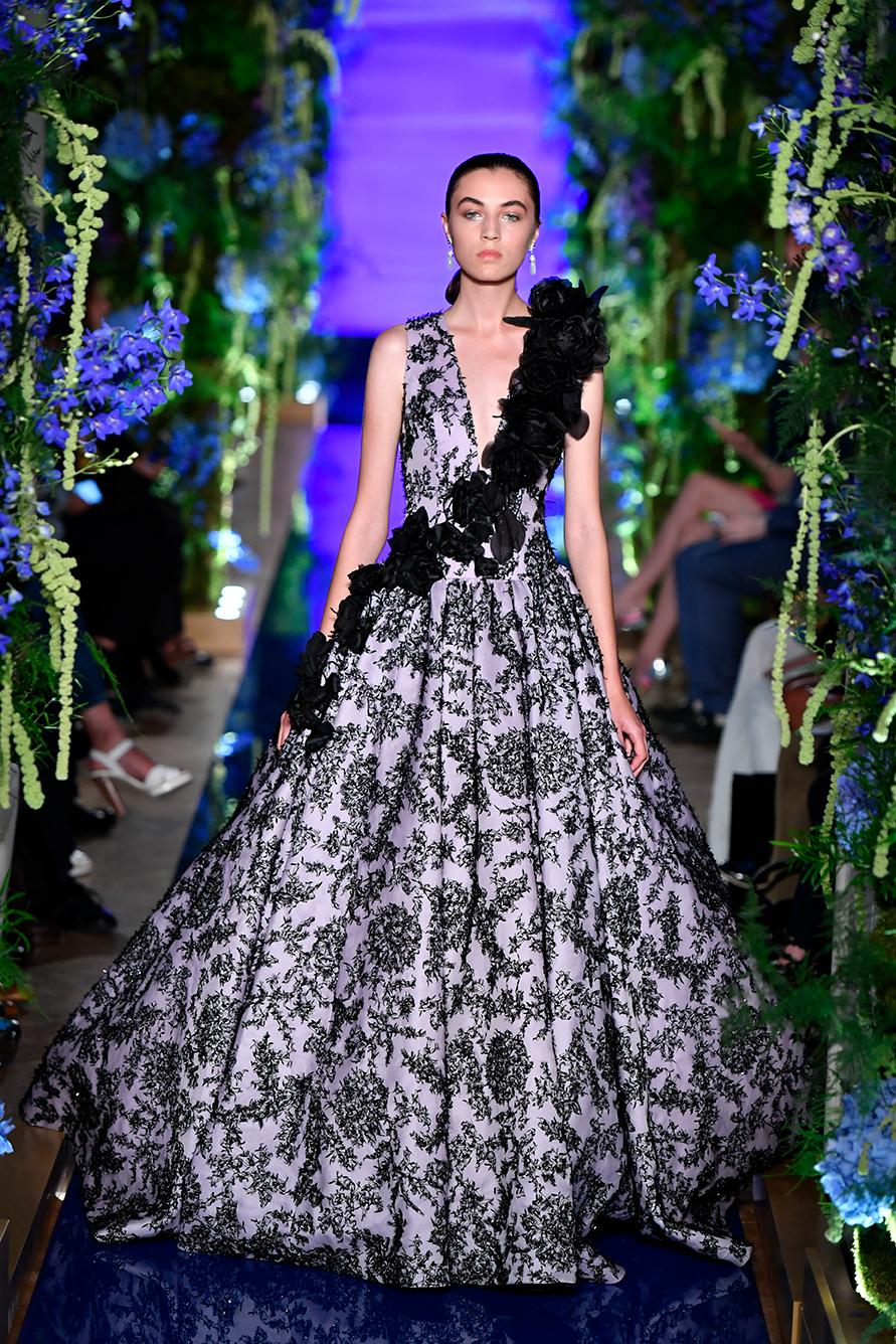 Guo-Pei-FW17-18-Couture--Look-31.jpg