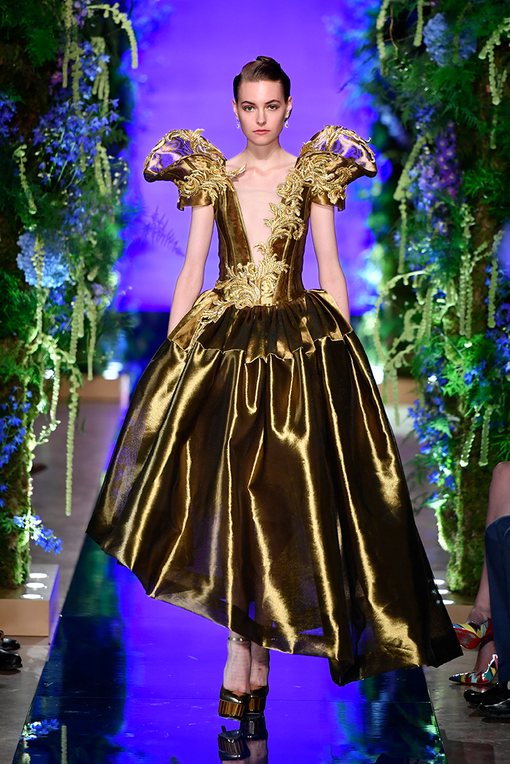 Guo-Pei-FW17-18-Couture--Look-33.jpg