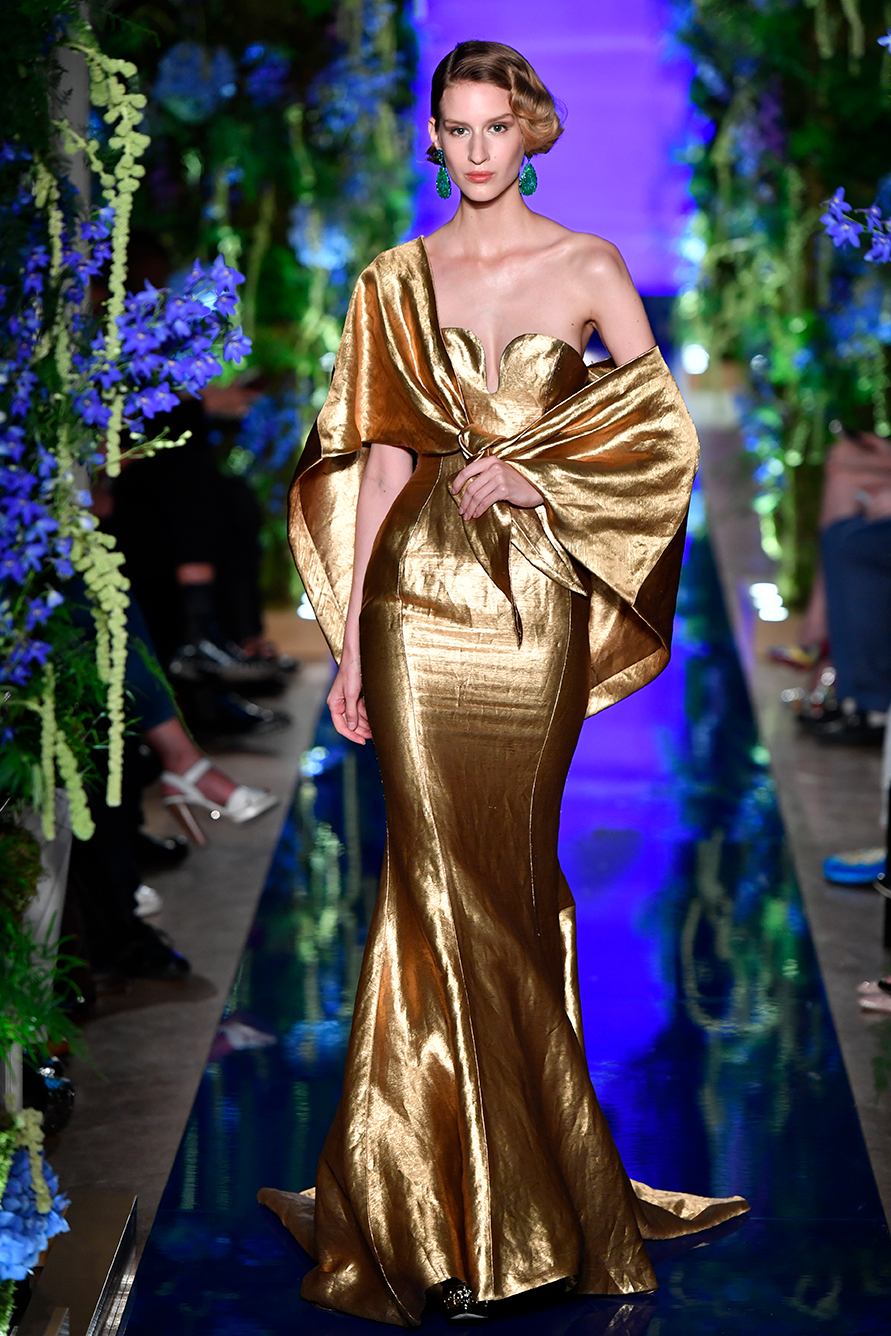 Guo-Pei-FW17-18-Couture--Look-35.jpg