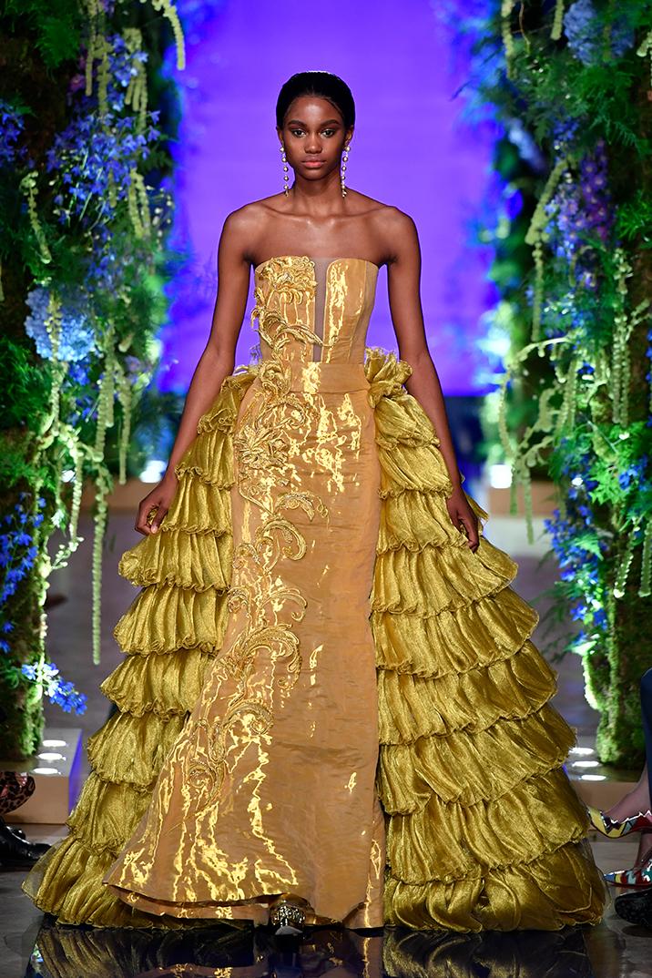 Guo-Pei-FW17-18-Couture--Look-41.jpg