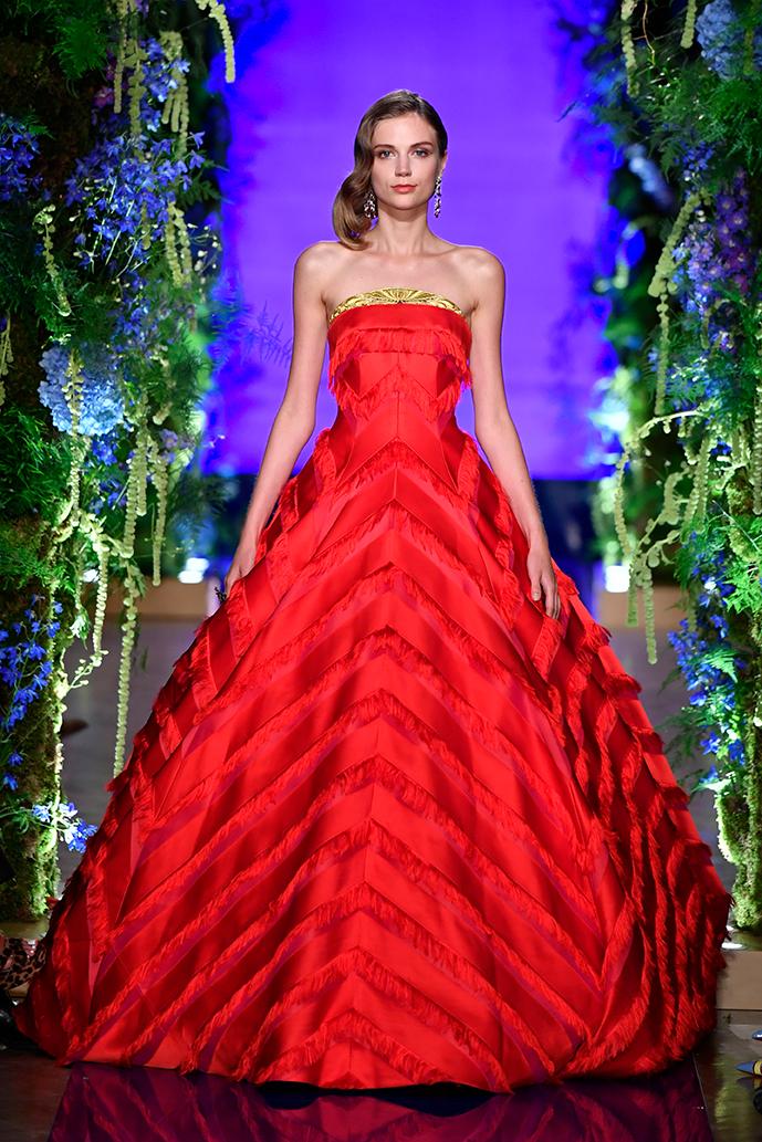 Guo-Pei-FW17-18-Couture--Look-42.jpg