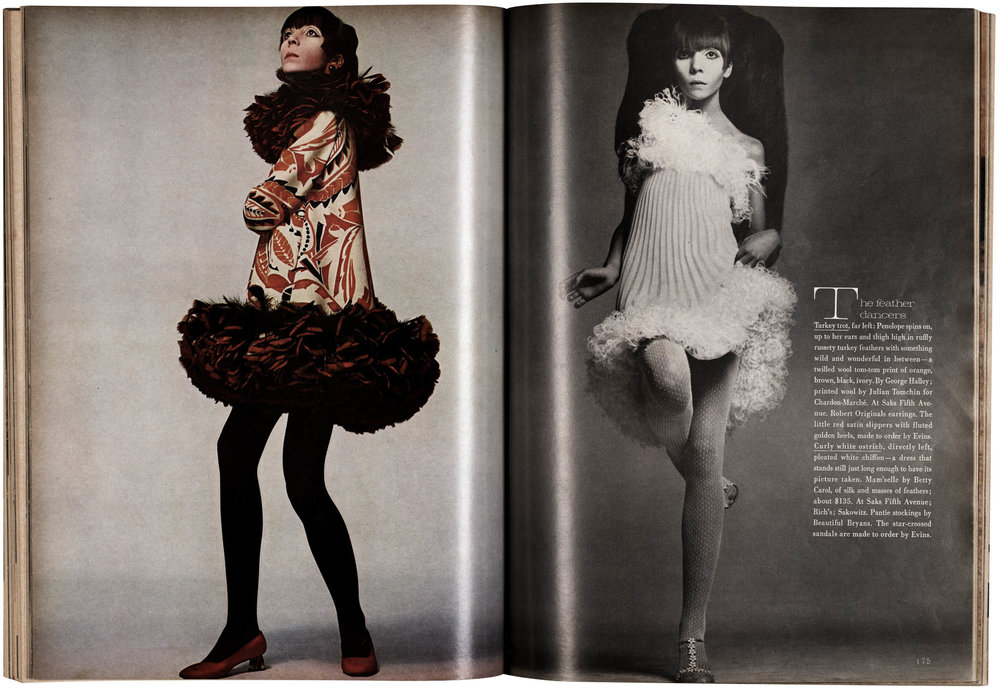 Vogue_10_1967_Spread_p174-175_Ap.jpg