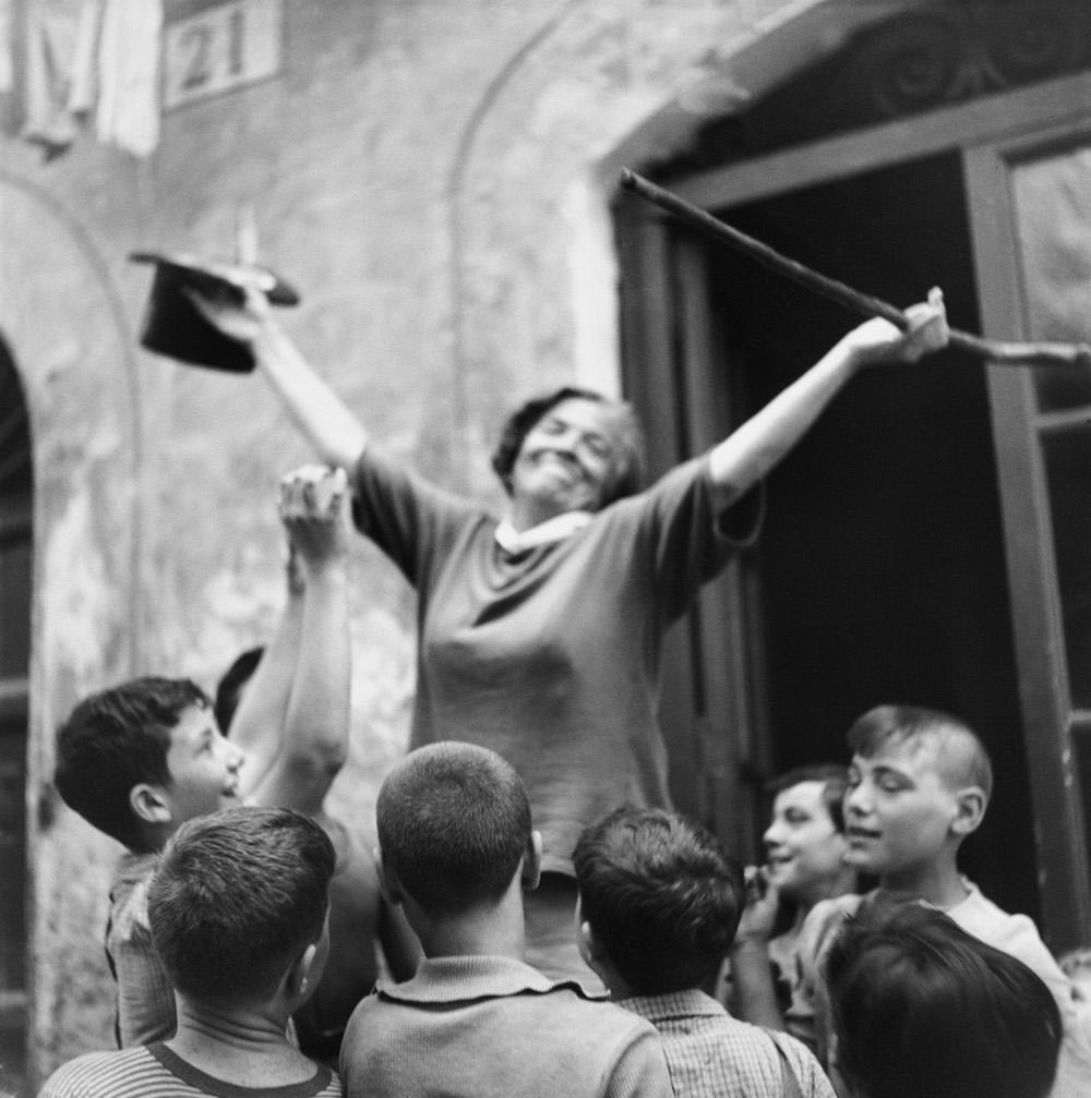 Zazi #09, street performer, Piazza Navona, Rome, July 27, 1946