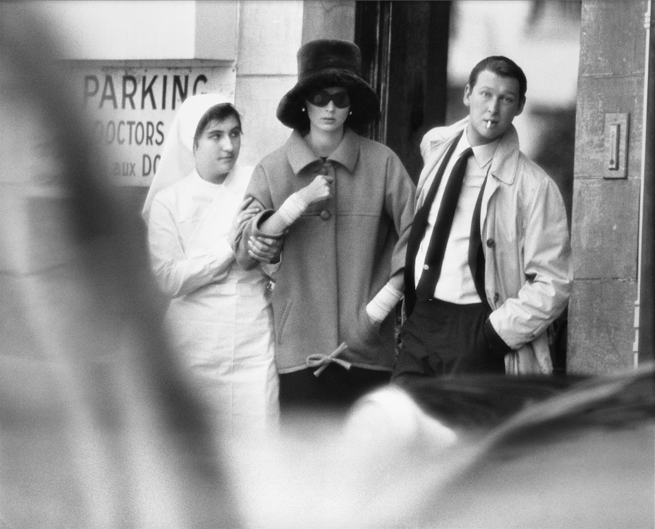Suzy Parker and Mike Nichols, coat by Saint Laurent, The American Hospital, Paris, August 1962
