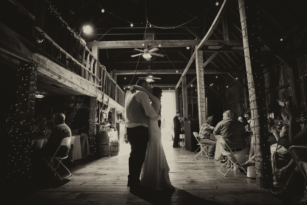 first dance at bliss farm wedding jp langlands photography