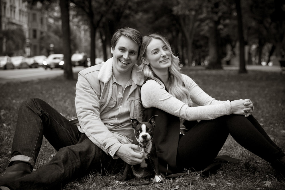 engagementsessionwithpuppy_0003.JPG