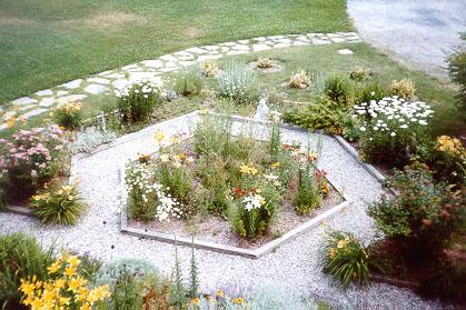 gardentop.jpg