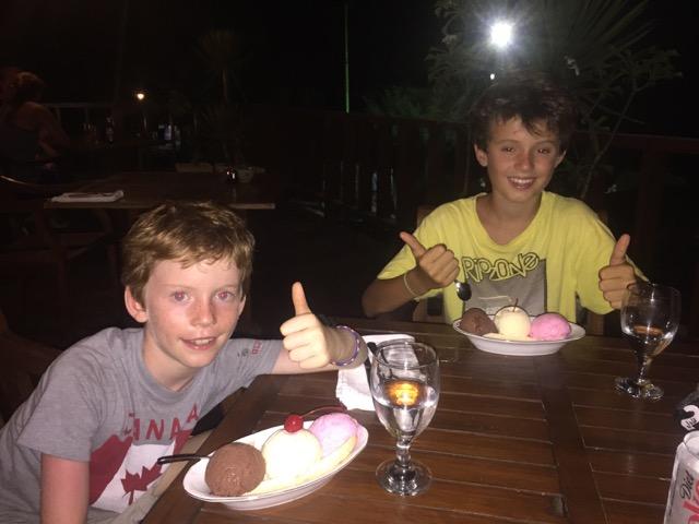 banana splits - birthday dessert #2??