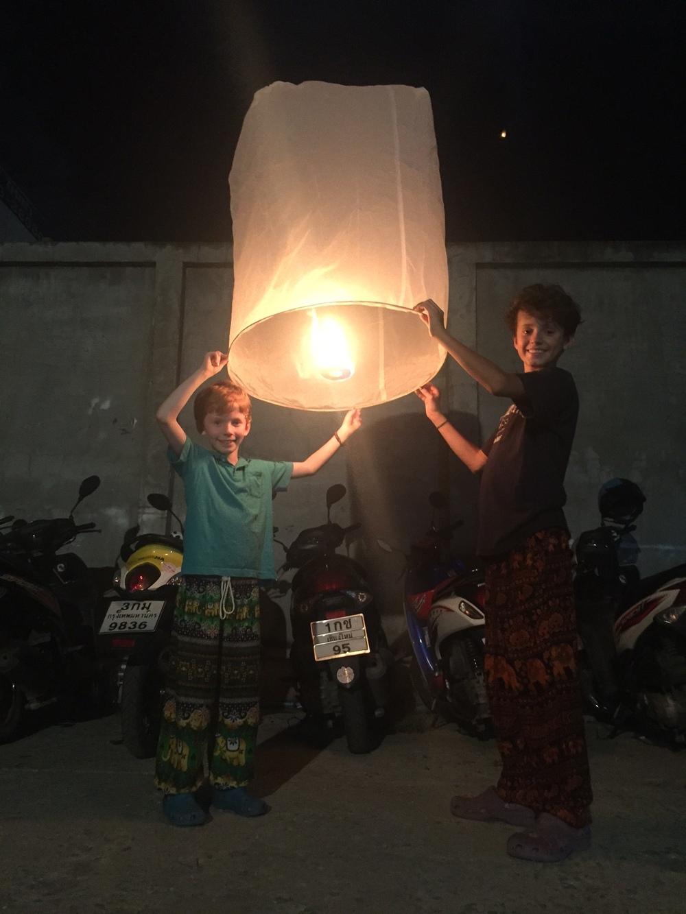Lantern in Thai.JPG