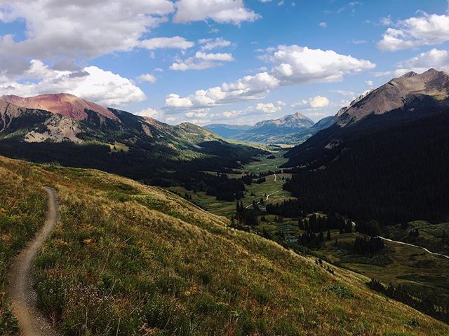 #mountainbikecolorado #coloradotrails #crestedbutte #bikingat11k #ridethe401 #401trail #alpinebiking #altitudelatitude #mtblife #alpineviews #11000ft #worthit