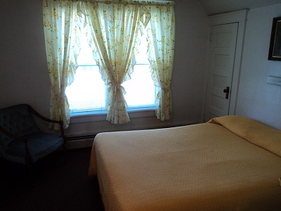 East House - Upstairs Bedroom
