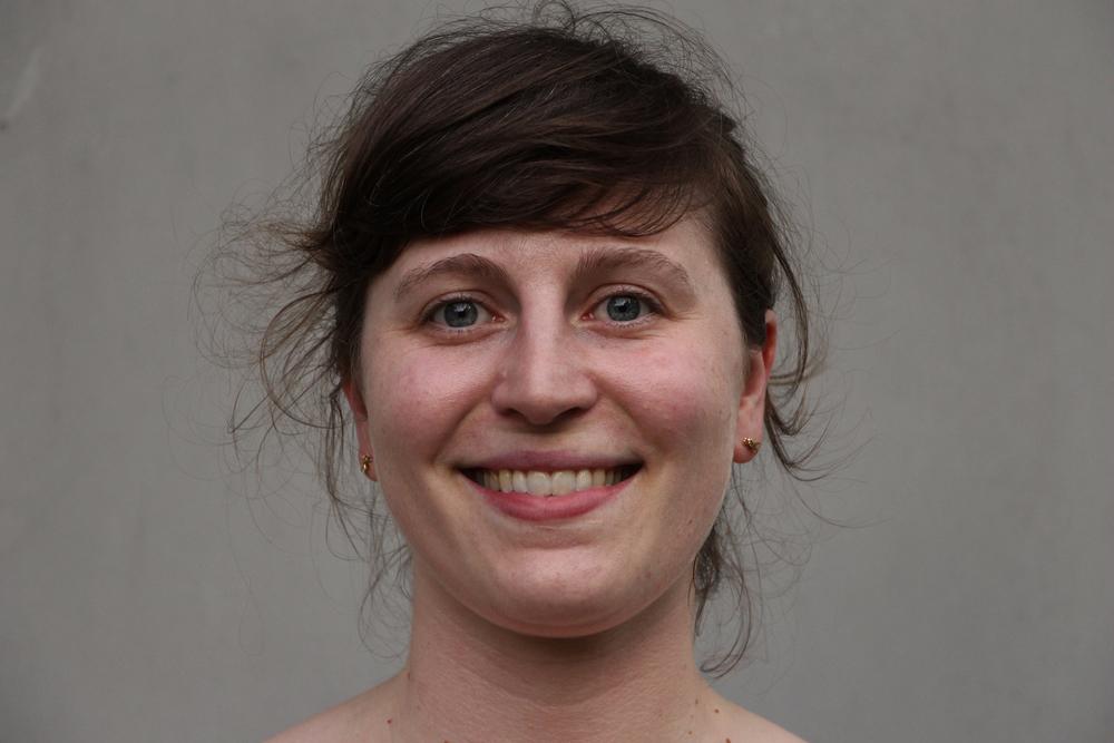 Julia, 33