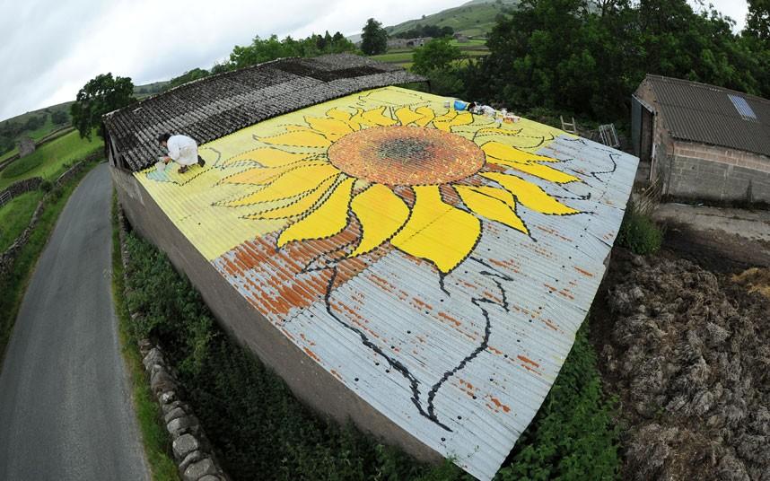 tour-de-france-sun_2964384k.jpg