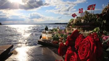 Flowers on the island near Oslo: for shooting victims of accused anti-Muslim shooter Anders Behring Breivik