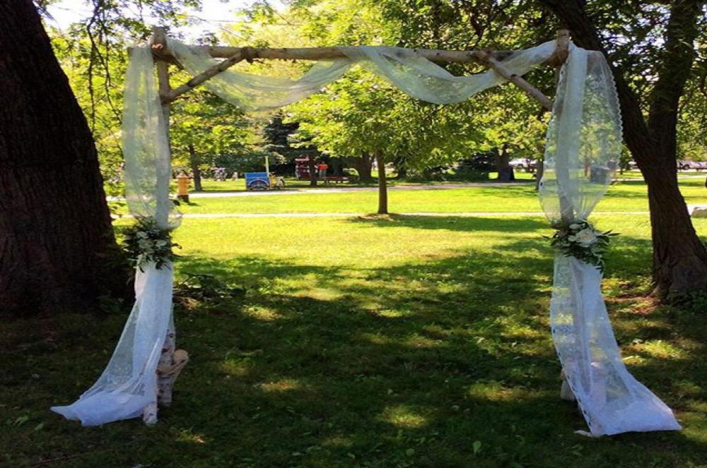 Toronto Island Wedding ceremony Arch.