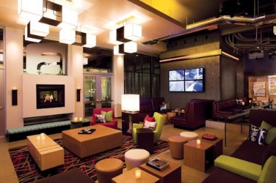 Aloft: a pet-friendly hotel.