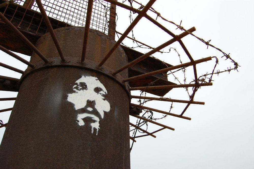street-art-jesus-christ-messiah-hand-stencil-and-spray-by-orticanoodles.jpg