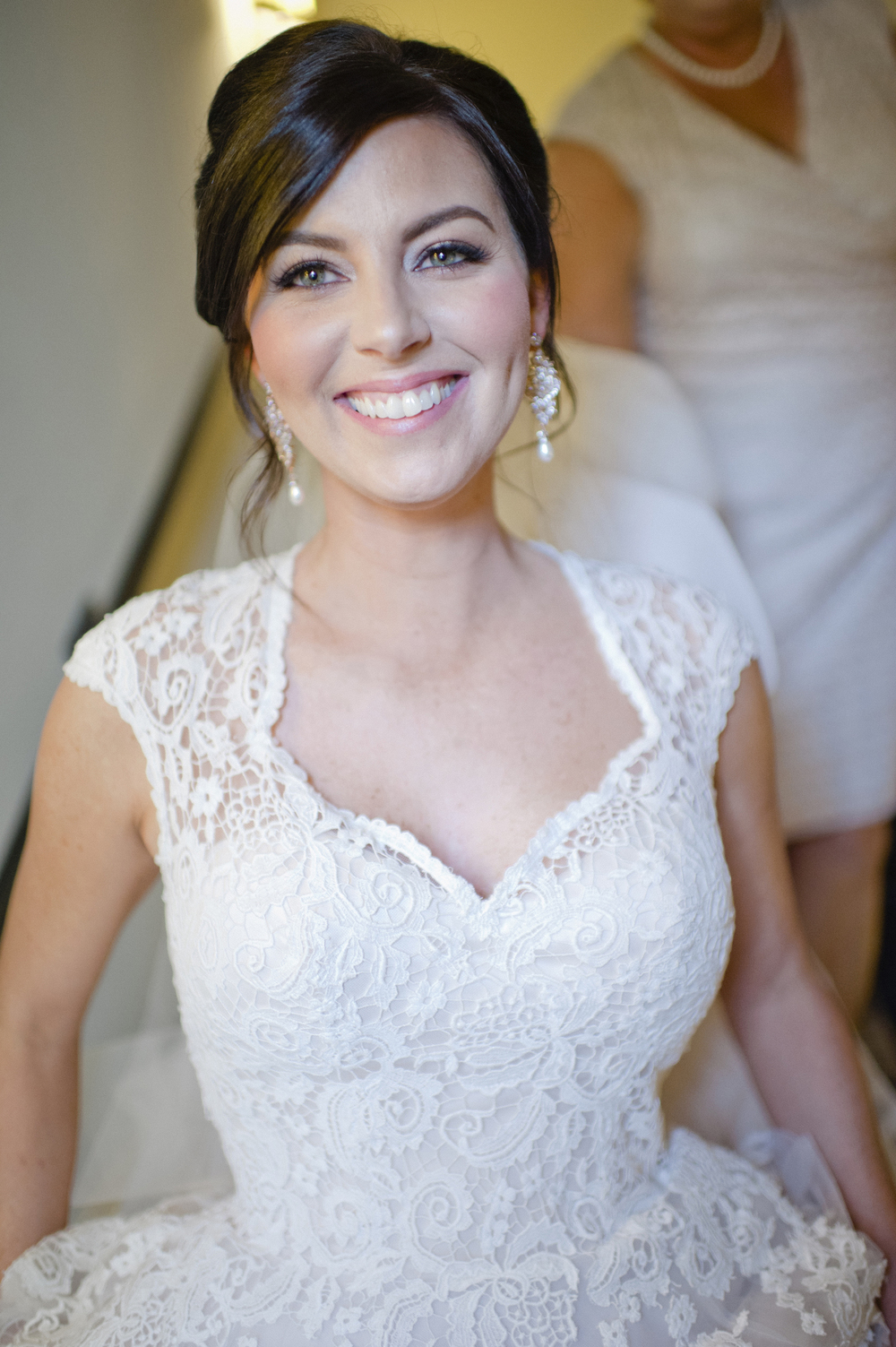 Kara Sánchez--ON-LOCATION BRIDAL BEAUTY