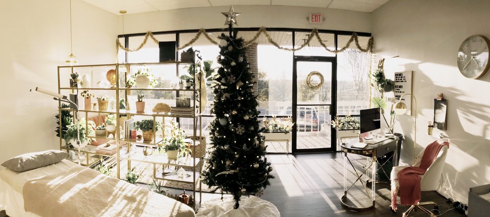 Kara_Sanchez_Beauty_Christmas_Austin.jpg