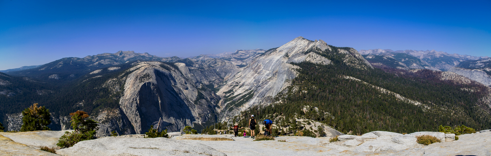 The view on the Half Dome, walking towards the cable