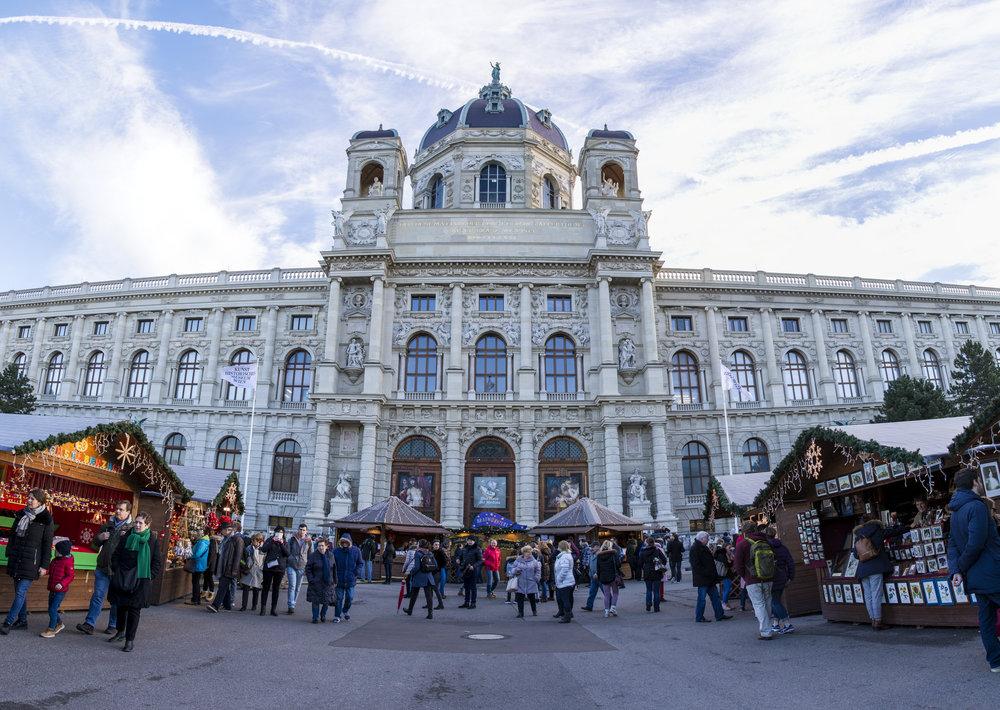 ArtHistoryMuseum_Panorama1.jpg