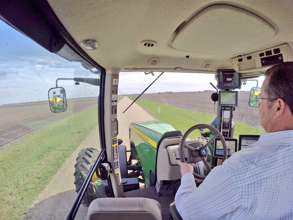 Many growers today have ipads in the tractor cab, and this new tablet will be there for sure in 2016.