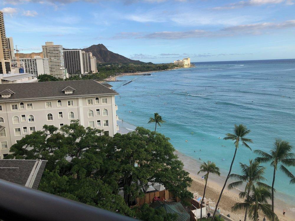 Alla Moana On The Tee Hawai.jpg