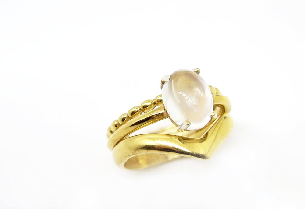 oval moonstone YGSC trio thick arrow.jpg