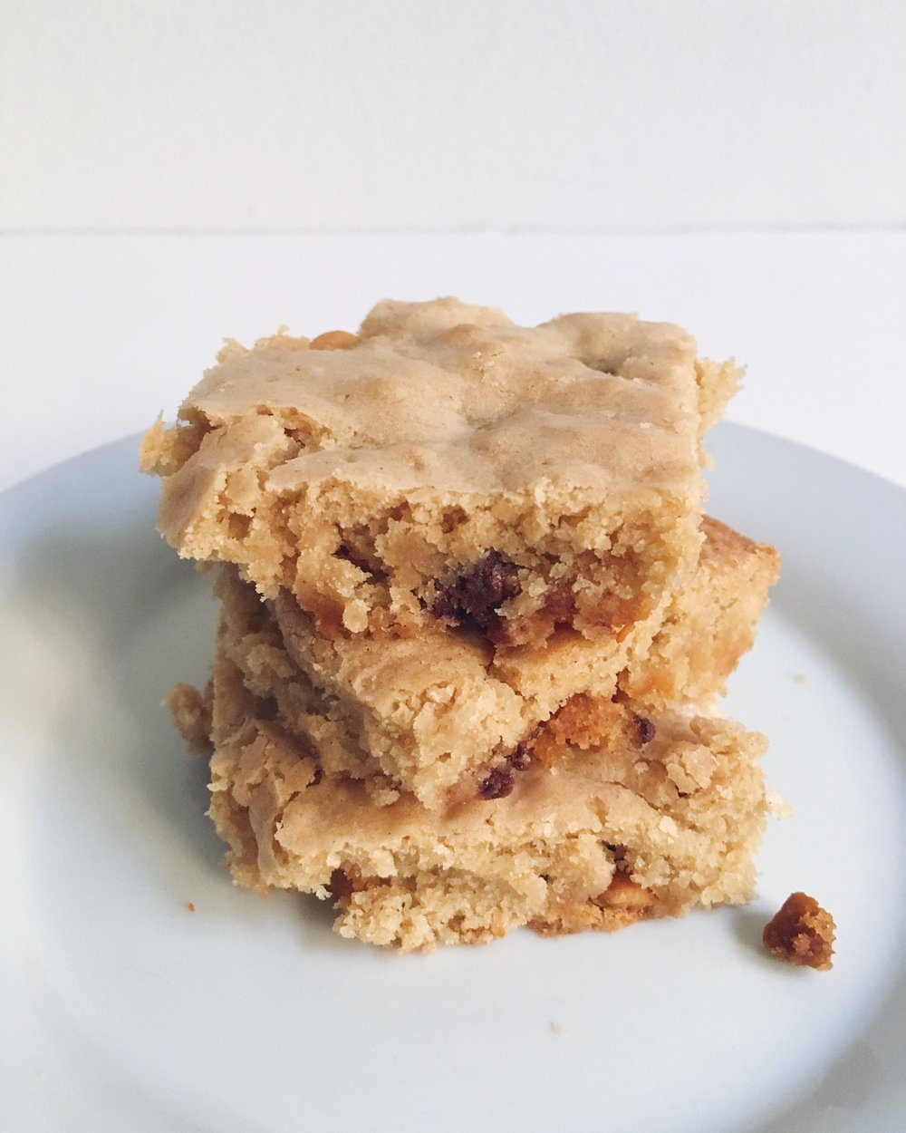 Yummy Butterscotch & Chocolate Chip Blondies