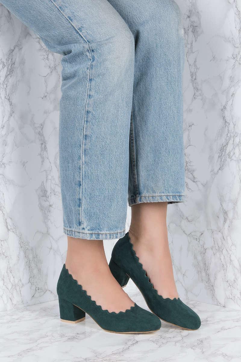NA-KD - Scalloped Edge Heels