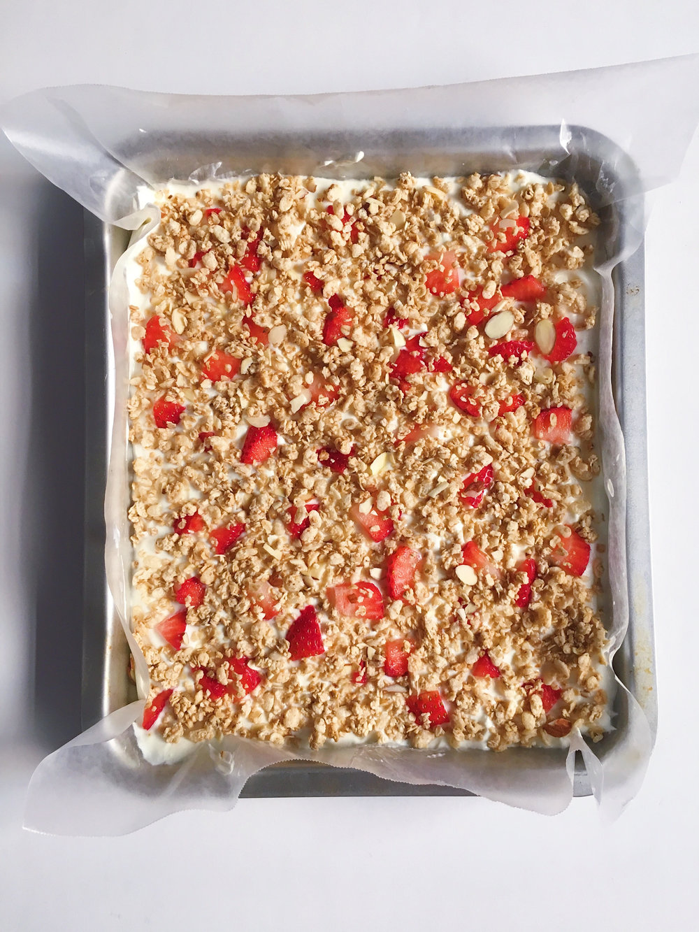 Yummy Granola & Strawberry Yogurt Bar