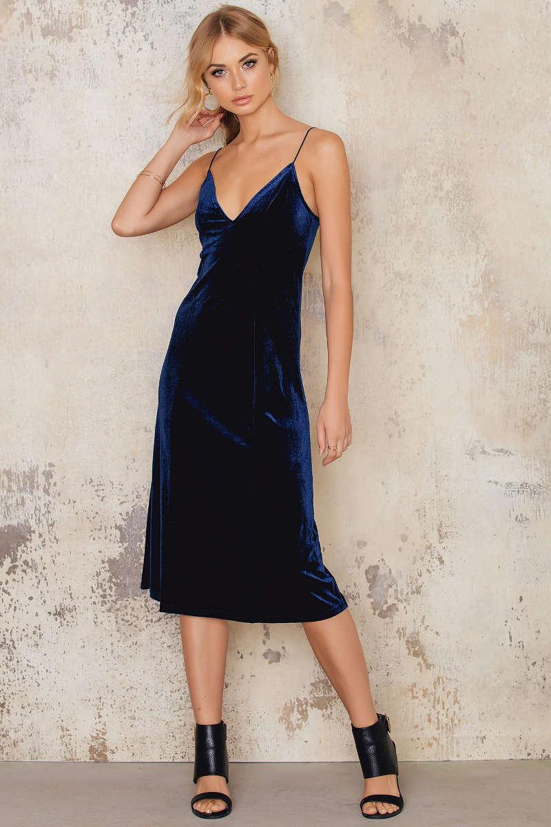NA-KD Velvet Dress
