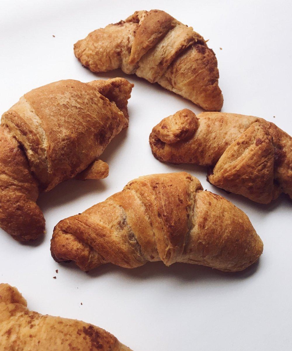 Mini Croissant Apple Pie Bites