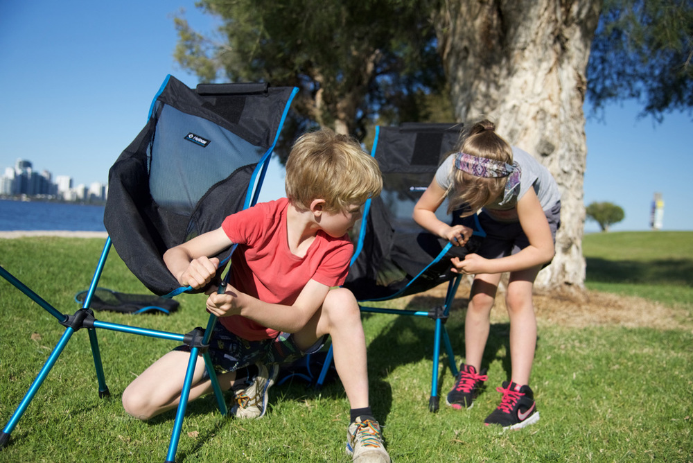 Kids-setting-up-chairs2.jpg