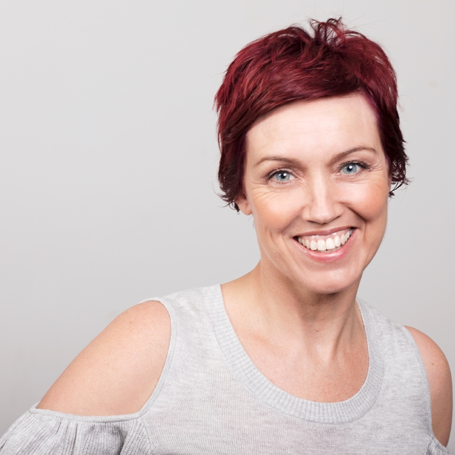 For years Evie was a news reporter and TV host on TVNZ, TV3 and Mediaworks. Then she did home reno shows, then lifestyle ads, then voice overs.  Now she does improv comedy. It's like the Benjamin Button of performance careers, but with the normal signs of ageing.