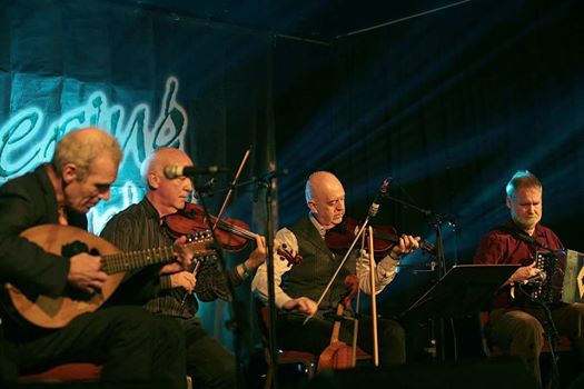 Buttons & Bows performing at The Gathering, Killarney, 2014    Photo credit: Valerie O'Sullivan