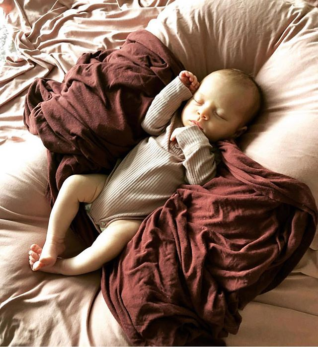 It's been a lazy Sunday here 🚎. Some food shopping, afternoon naps and a lovely walk. I hope you all had a lovely weekend, I know we did. ✨  Burrow swaddles are available online in a range of earthy colours via link in profile. Each one handmade, using delicious bamboo.  PIC: @amymerridan44  #burrowbaby #australianmade #sustainable #bamboo #swaddleblanket