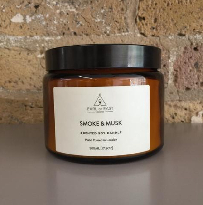 SMOKE AND MUSK  The Smoke and Musk candle is inspired by the great outdoors. Our unique blend green balsam fir sits alongside wood smoke and musky patchouli to create a sense of being in a cabin in the woods.  500ml [17.5 oz]  $70