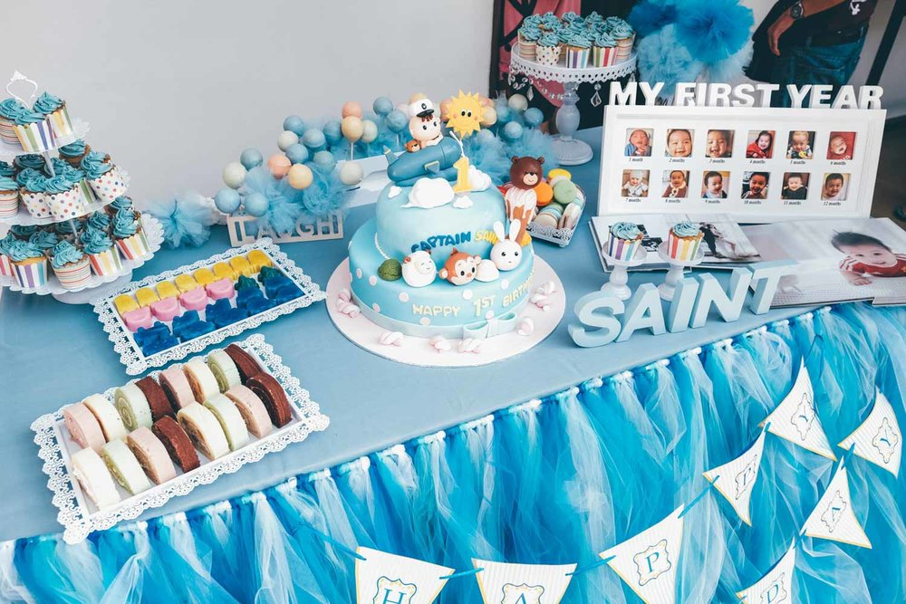 Amazing dessert table spread in beautiful tones of blue.