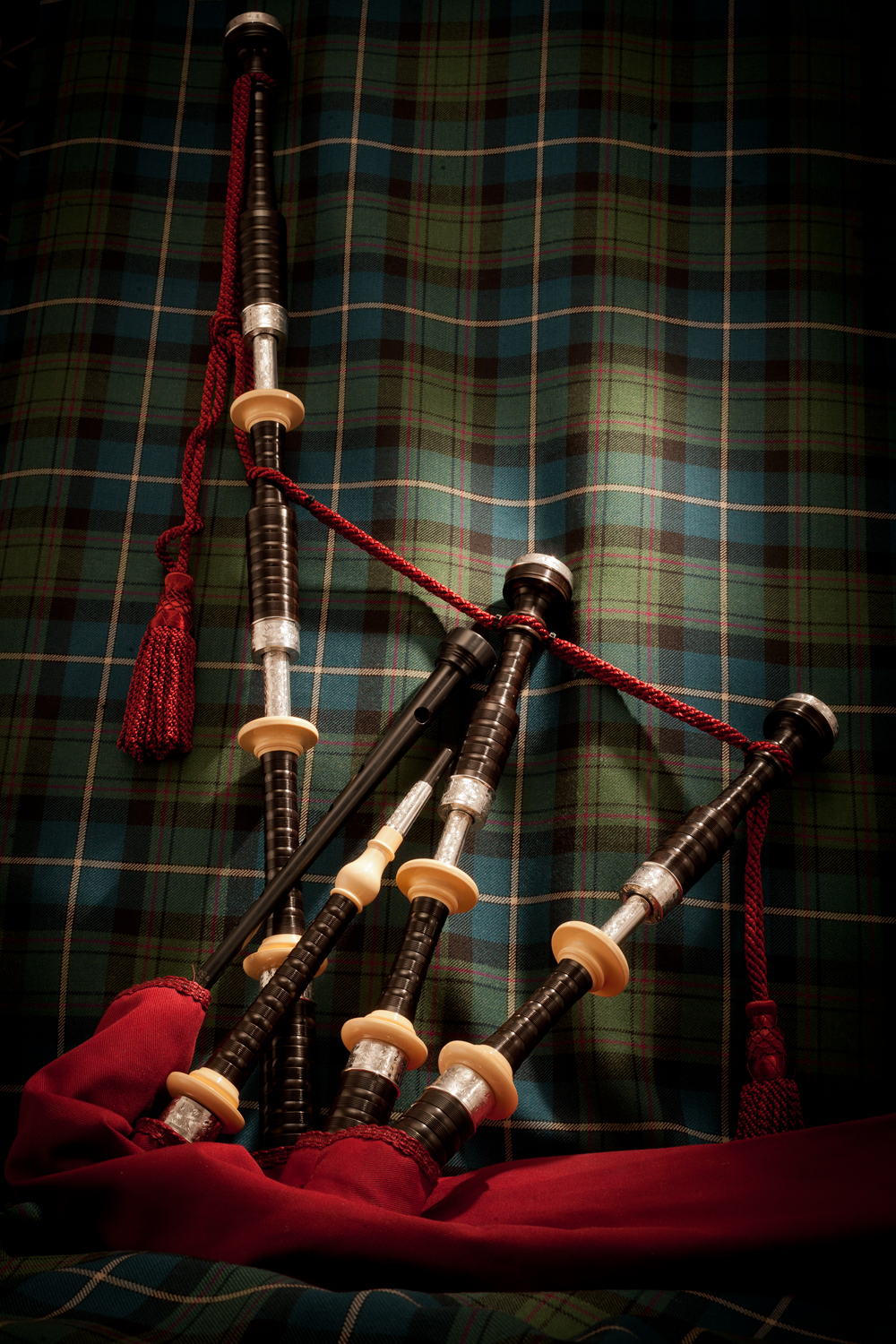MacRaeBagpipes53Edit.jpg