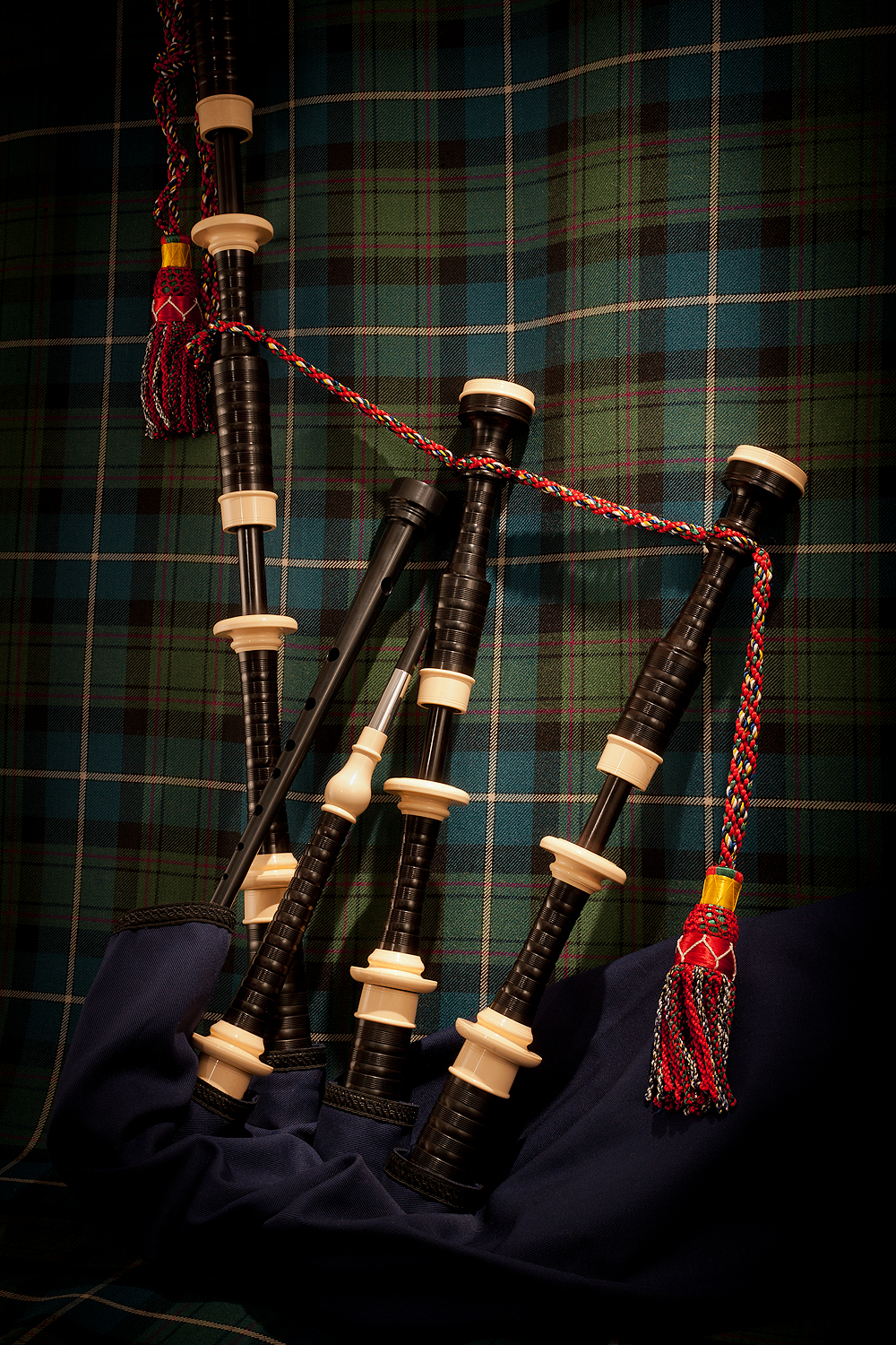 MacRaeBagpipes394Edit.jpg