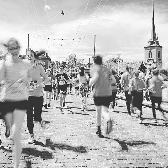 Herzliche Gratulation an alle Finisher vom #gpbern 2017 Grossartige Stimmung und super Leistung von 30'000 Läufern #gringabeuseckle #bern  Foto: gpbern.ch  Was ist dein sportliches Jahresziel?