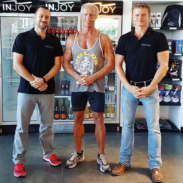 Official sales launch in Austria today! In Graz mit @poizi26 zum Treffen mit dem grossartigen @karl.kainrath und @kainrathbauerfitness im @injoymedgrazsued 😃  #legend #mruniverse #oldschool #fitfam #fitness #injoyfitness #injoy #bodytransformation #koerpertransformation #3dbodytracking