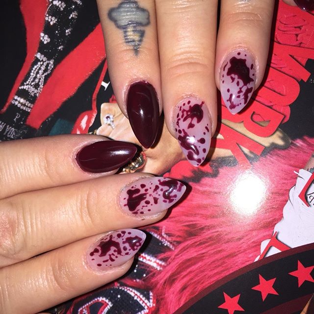 Woah check out these forensic inspo nails by @princesschanira 💉💉💉 Book in via the link the bio to get your own gruesome nails! 📲