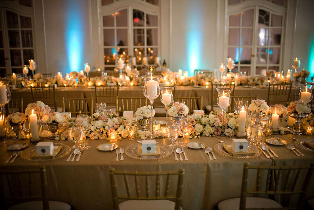 gold-wedding-reception-tablescapes-dinner-party2_19671435793_o.jpg